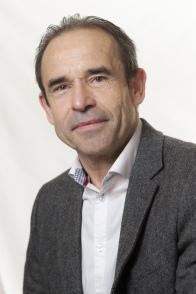 Jean-René L'HELGOUALCH, conseiller municipal - élu depuis 2014 - membre des commissions Sport et jeunesse / Ecoles et enfance – 59 ans – Cadre d'entreprise de télécommunication – Lostang